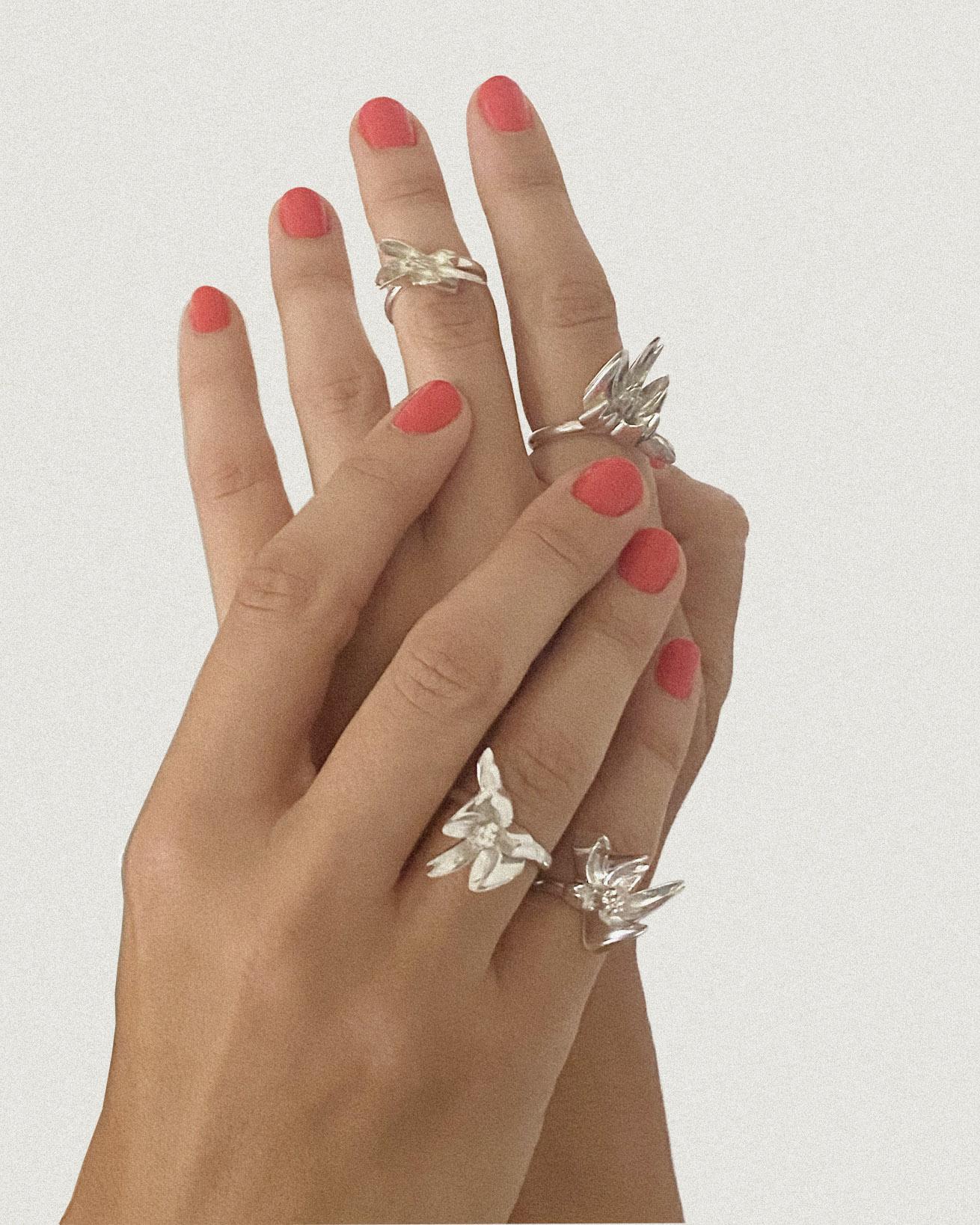 flower1-2_hand_silver